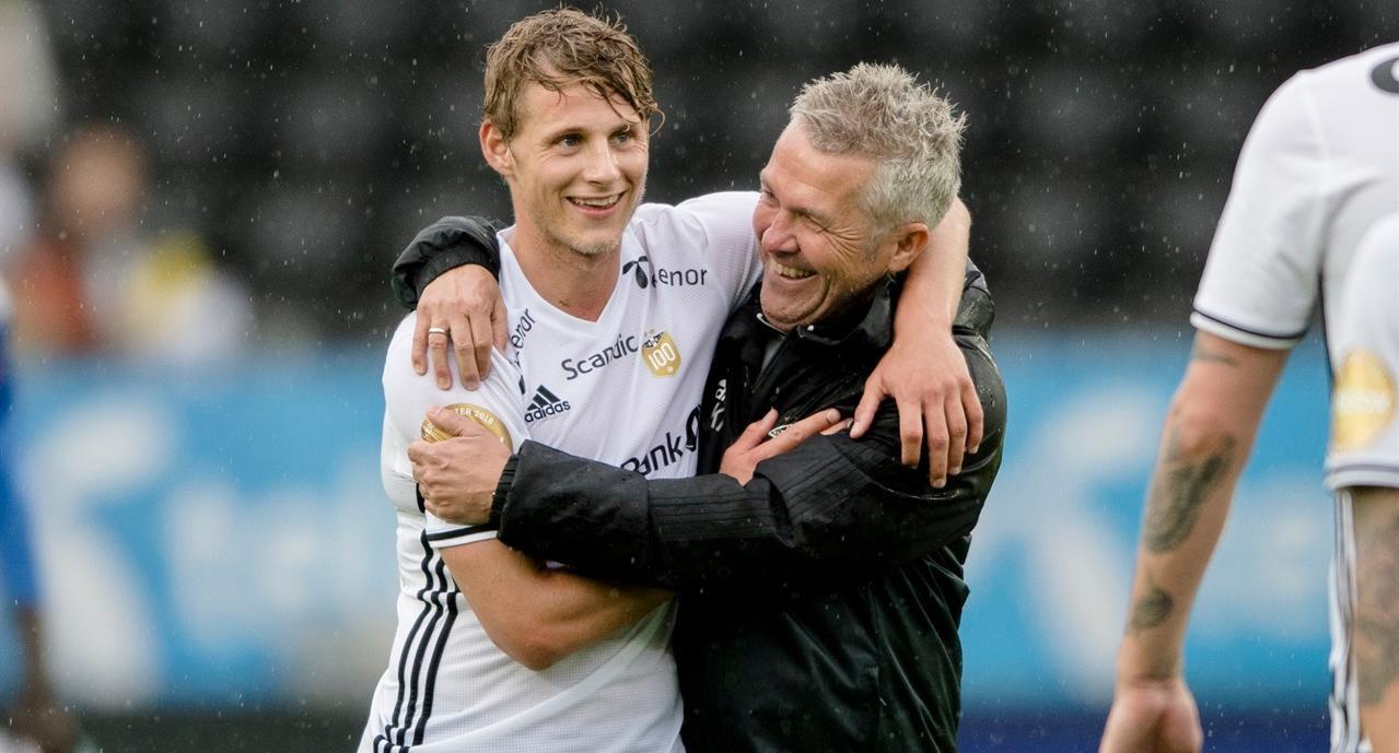 Lagmoral og glede var sentralt da Kåre Ingebrigtsen gjenreiste Rosenborg som Norges fotballstormakt. Foto: NTB / Scanpix