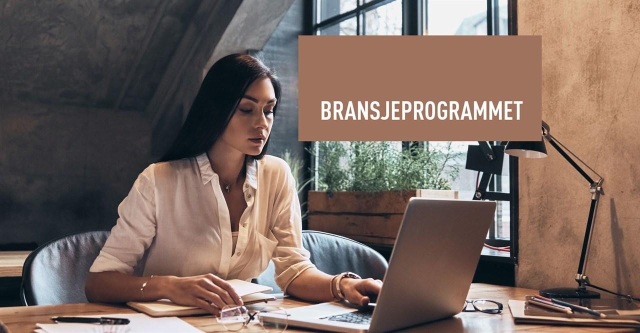Lær mer om økonomi, ledelse og markedsføring. Det nettbaserte studiet fra Fagskolen i Østfold er gratis for frisører.
