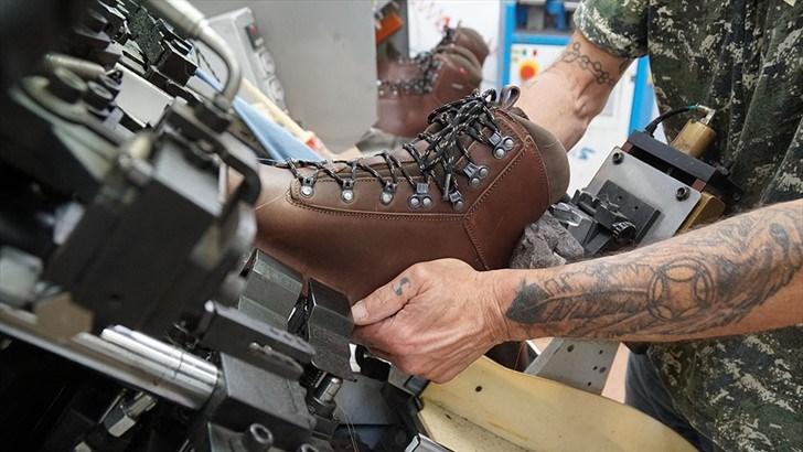 Alfas sko Impact A/P/S GTX i produksjon. Foto: Ingrid Brandth