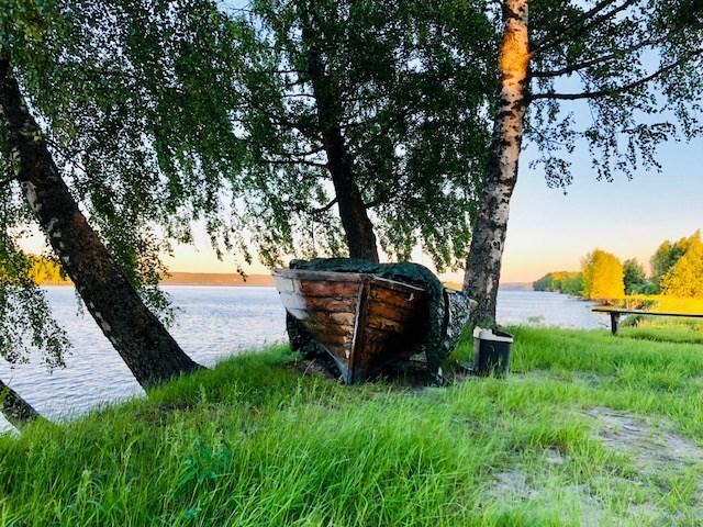 Ta med deg en god venn og gå en tur fra Årnestangen til tuppen av Rælingsøya. Det må være blant landets vakreste turer! Foto: Anne Merete Rodem