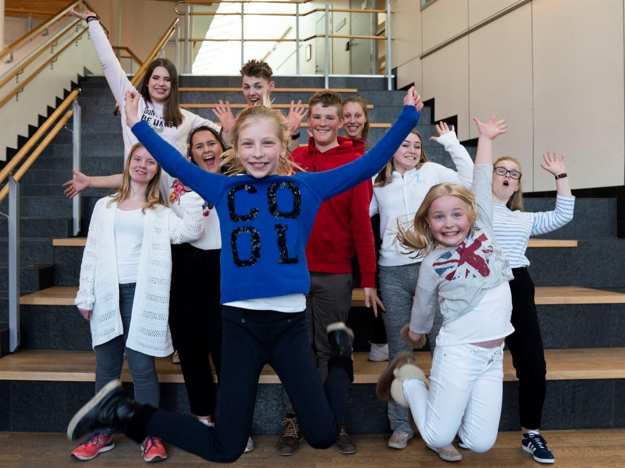 HOPPENDE GLADE! Kom på konsert på Lillestrøm Kultursenter lørdag 27. april kl. 17.00 og 19.00 og hør Skedsmo Voices og Neon Vokals viktige budskap! <br/>