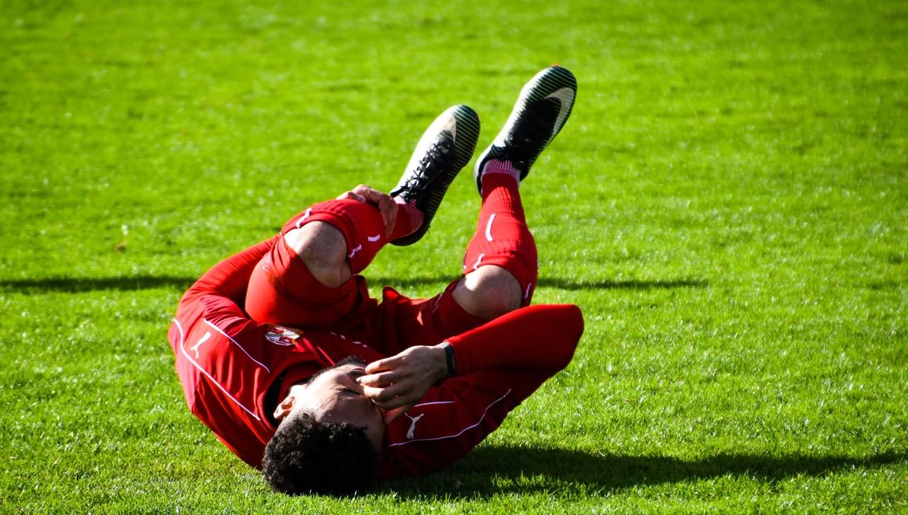 Spelers die hun bovenbeenspieren scheuren of verrekken zijn vaak weken uit de running