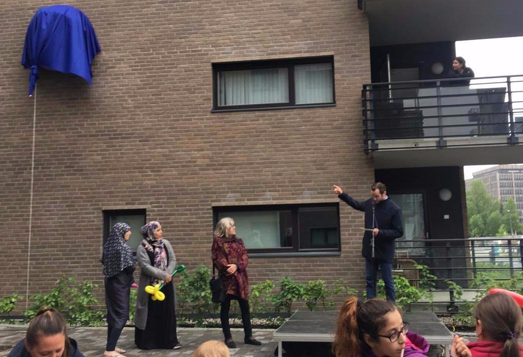 Frederik Selvaag (på podiet) presenterer verket