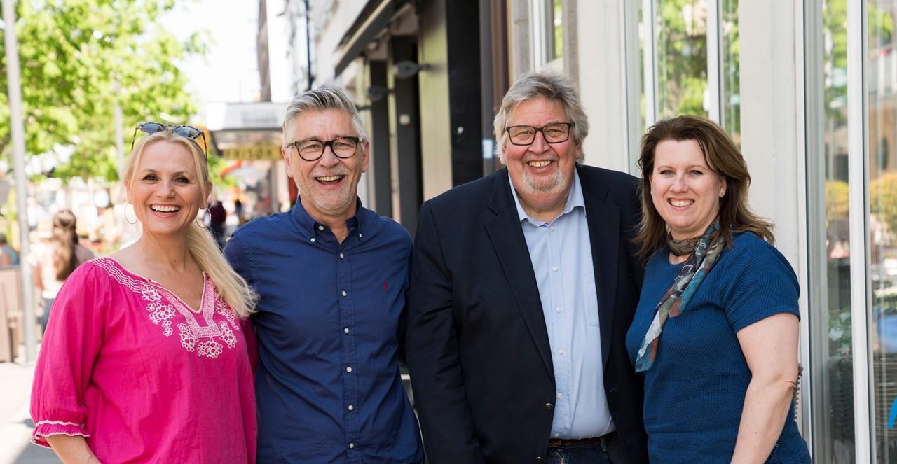 <br/>ALT PÅ ETT STED: Ordfører Ole Jacob Flæten (nr. 2 fra høyre) er glad for at byen har fått én felles kommunikasjonskanal. Her flankert av (f.v.) Anne Merete Hagnæss Rodem (Lillestrøm Kultursenter), Rino Larsen (Createurene) og Lill-Torunn Kilde (Kildekom).
