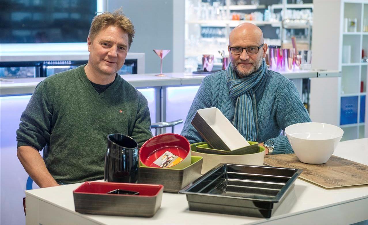 Melamin er blitt mye mer spennende de siste årene. Her viser Ole Terje og Jørn noe av Culinas utvalg.