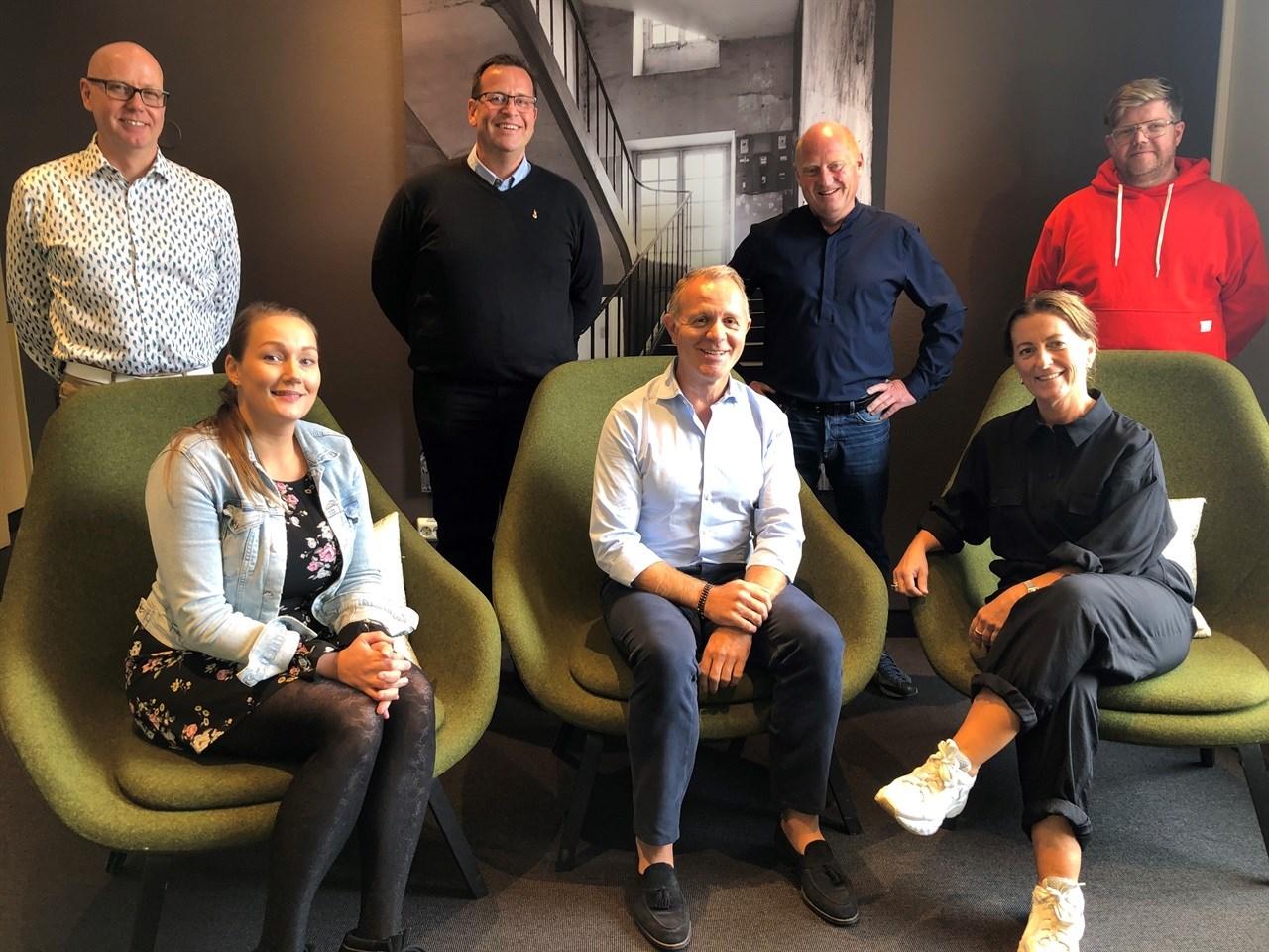 På det nye utvalgets første møte: Jan Kristian Pettersen (utvalgssekretær), Merethe Christensen, Ove Walderhaug, Espen Sævold (NFVB-president), Jørn Inge Næss (utvalgsleder), Kristin Sannum Berre og Peter Vonkunz Brun.