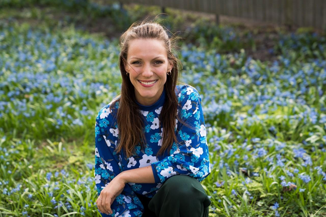 Mari Haugen Smistad (33) er aktuell som Gunhild i «Da verden kom på skinner» utenfor Lillestrøm Kultursenter, med premiere torsdag 23. september.