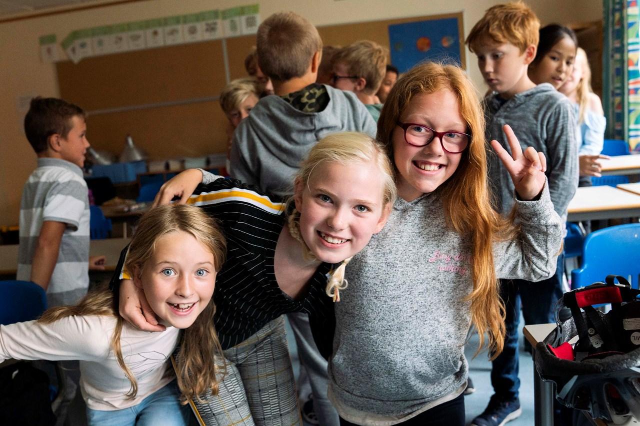 BLIMEOSS: –Ingen skal bli mobbet på Vigernes skole, sier femteklassingene Vilje Amalie Hoff Aanes, Matilde Brenne og Isabella Asak.