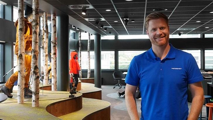 PREMIEREKLAR. Samtidig som Lars Kristian Lindberg, administrerende direktør i Gresvig, flyttet hele kjedekontoret til nye lokaler, jobbet han med relanseringen under Intersport-navnet.