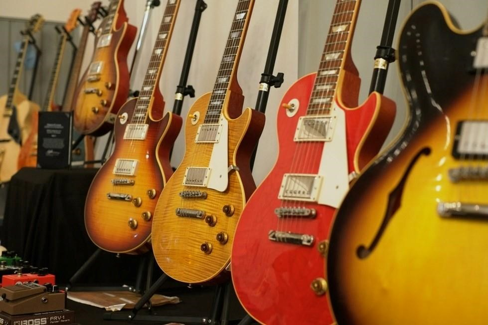 JP's Guitars at Reverb Guitar Show