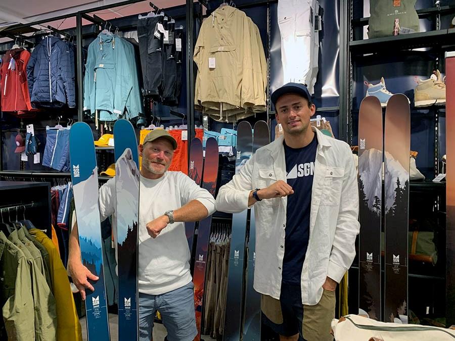 Benjamin Forthun, til høyre, er en av landets største frikjøringsprofiler, nå har han signert med SGN skis. Marius Feen, daglig leder i SGN Skis, gleder seg til å samarbeide med Benjamin