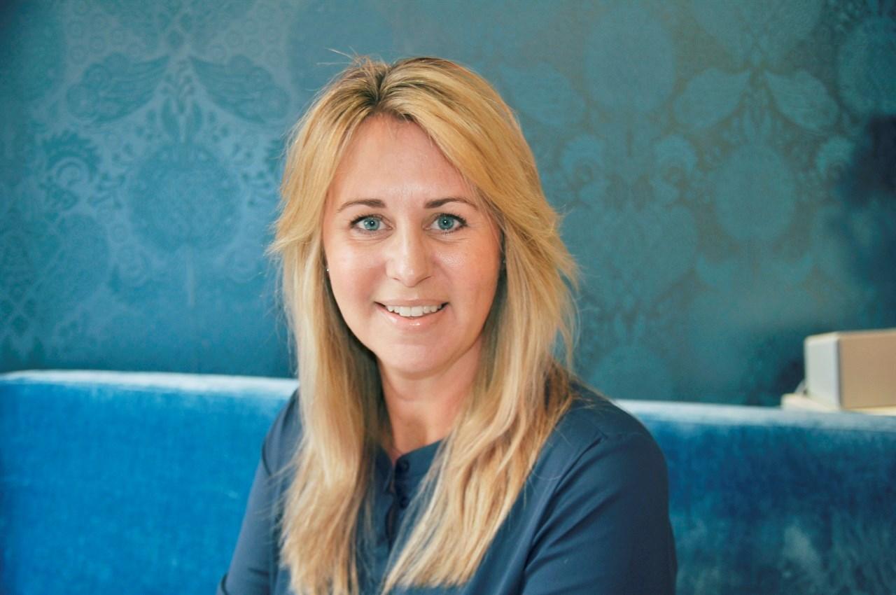 Hud- og kroppspleier Linda Jørgensen er avtroppende styremedlem i NFVB. Til daglig jobber hun i Blue i Oslo, passe diskret i 2. etasje i Niels Juels gate 25.