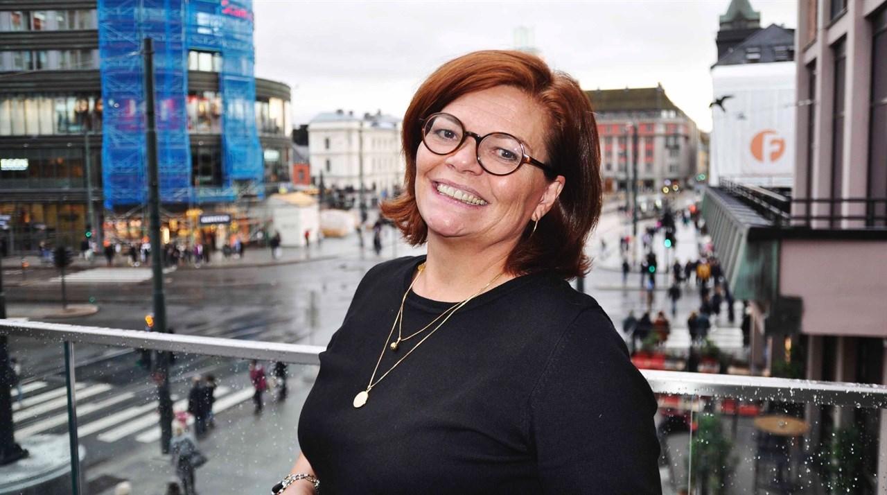 Nyvalgt styremedlem Guri Elisabeth Andreassen har en bredt sammensatt bakgrunn, som inkluderer egen bedrift og skole i hudpleie og kroppsterapi, mesterbrev i frisørfaget, og ikke minst en bachelorgrad i økonomi og ledelse fra Nord Universitetet i Bodø.  - Jeg gleder meg til å gi mitt bidrag til å utvikle velværebransjen som styremedlem i NFVB, smilte hun etter valget på landsmøtet i The Hub i Oslo 19. oktober.