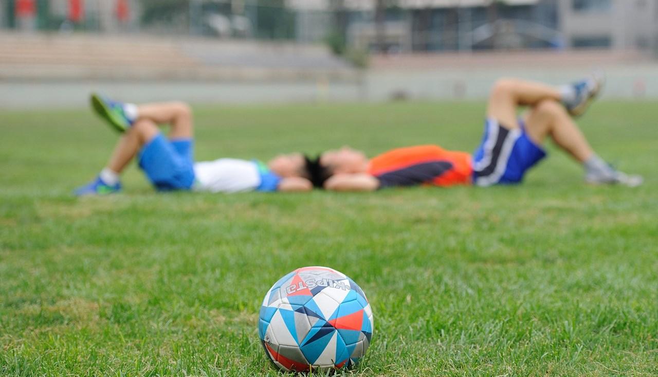 Een voetballer die mentaal geschoold is blijft scherper tijdens het spel
