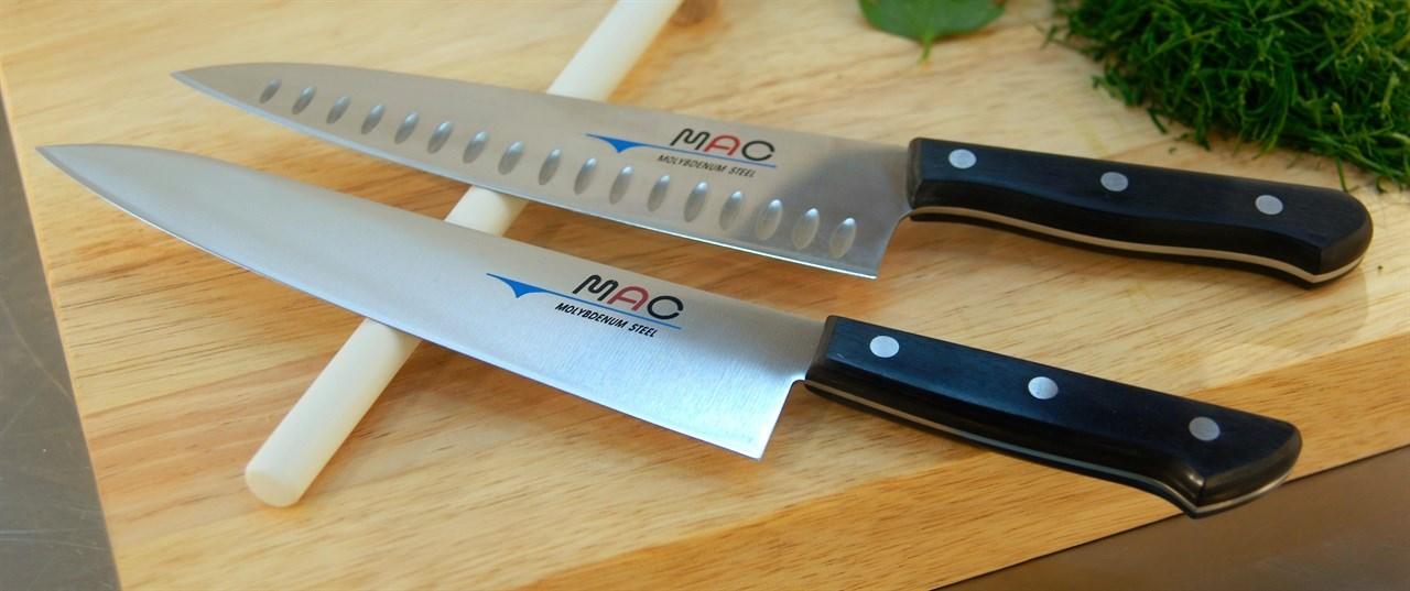 En god kokkekniv er en flott gave til noen og enhver. Enten det er far, svigermor, kollegaen din, sjefen din eller dine ansatte.