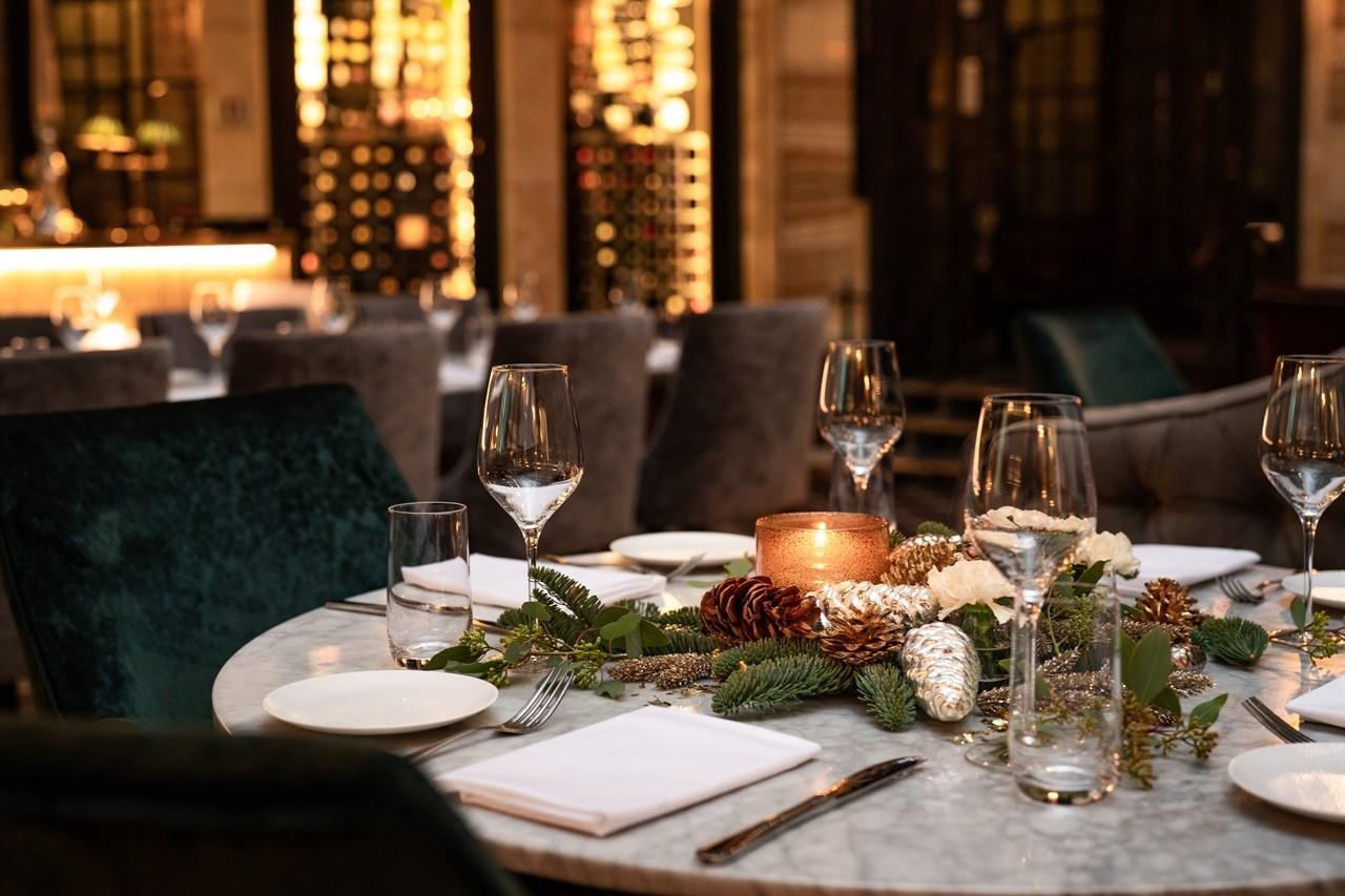 Julepyntet bord i Palmen Restaurant