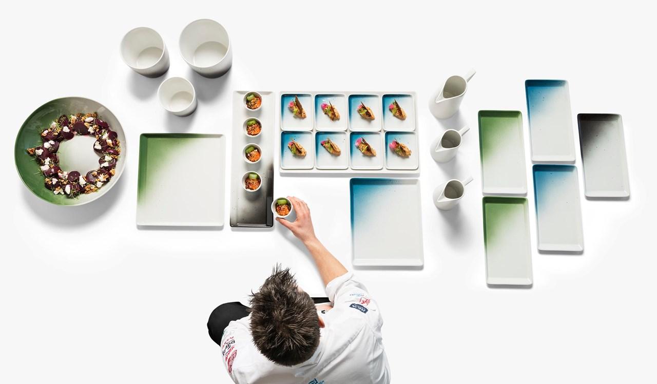 Produktutvikling hos Figgjo er en kontinuerlig prosess, og et samarbeid på tvers internt hos Figgjo, i dialog med dyktige kokker, eksterne designere med fler