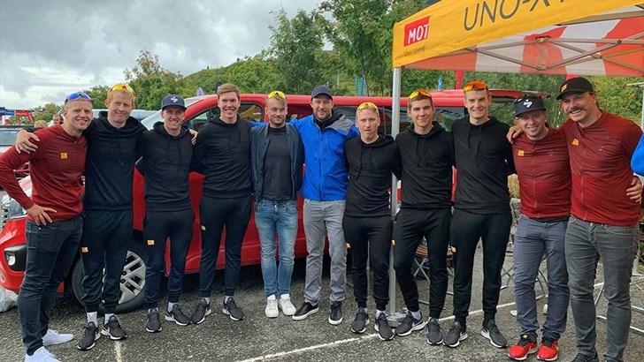 Teamet rundt de nye sponsorene fulgte Uno-X-teamet til første etappe av rittet Arctic Race. Både Petter Northug og Aksel Lund Svindal, i midten) var med og sørget for å skape ekstra oppmerksomhet.