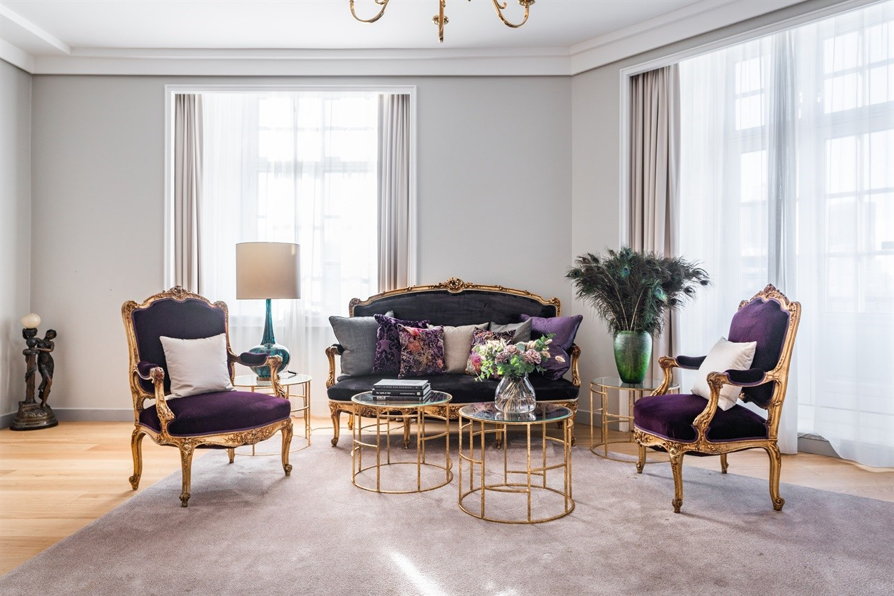Lekkert interiør i Bohem-suiten på Grand Hotel Oslo