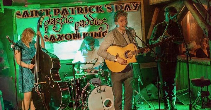 St. Patrick's Day // Plastic Paddies // Horten