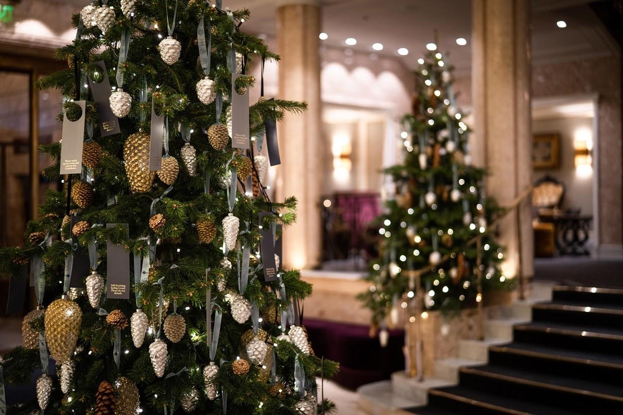 Et julepyntet Grand Hotel Oslo