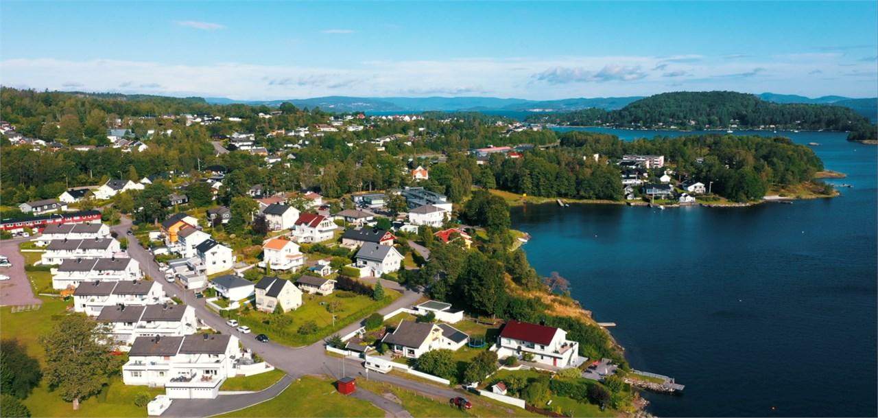 Hva er forskjellen mellom å bo på Apenes og i Åsgårdstrand?