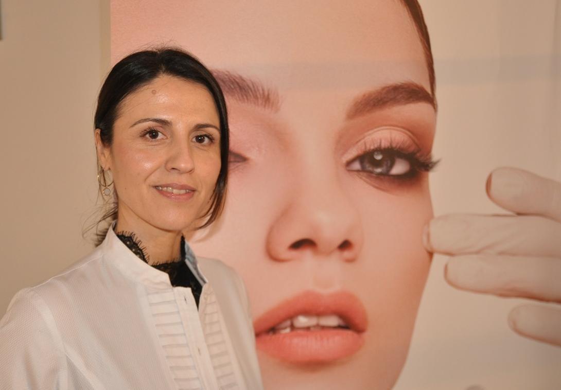 International Trainer Susanna Porras i pH Formula markedsfører effektive ansiktsbehandlinger.