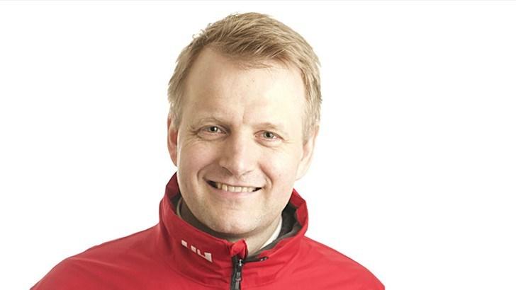 Tomas Holmestad (38) har valgt å si opp sin stilling som administrerende direktør i Brav. Holmestad har fått og akseptert et tilbud om ny jobb som administrerende direktør i NorEngros Johs Olsen i hjembyen Gjøvik.