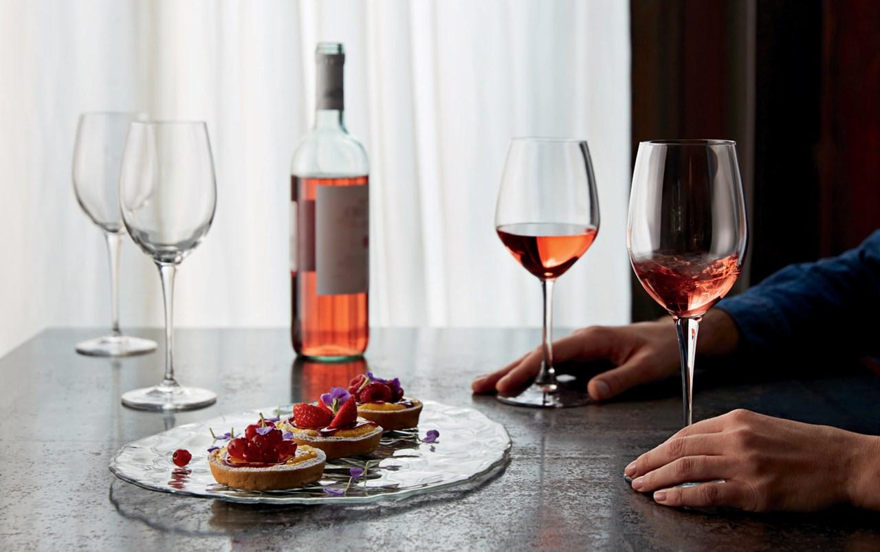 Dersom vinen har vært lagret eller oppbevart ved feil temperatur kan den allerede være ødelagt selvom du serverer den med riktig drikketemperatur.