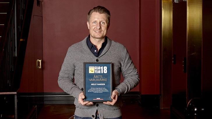 Sjefen for Helly Hansen i Sverige, Magnus Svahn, var tilstede under kåringen og tok imot prisen. Foto: Thomas Hjertén.