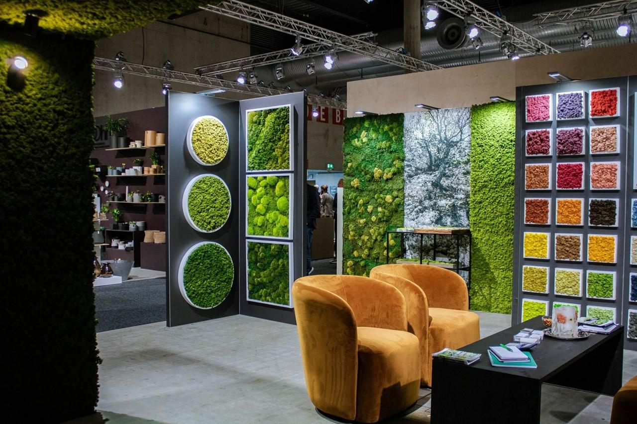 - Når naturen ikke er tilgjengelig, gjør den tilgjengelig der du er, lyder visjonen til Norsk Mose & Design. Bilde fra Oslo Design Fair. Foto: Norsk Mose & Design.