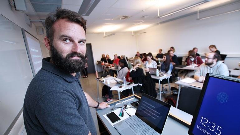 Morten Oddvik er utdannet lektor i engelsk og har vært med å utvikle digitale løsninger for grunnskolen og videregående opplæring. Han er USNs nye ekspert fra læreryrket som skal sikre et tett samarbeid med praksisfeltet. (Foto: An-Magritt Larsen)