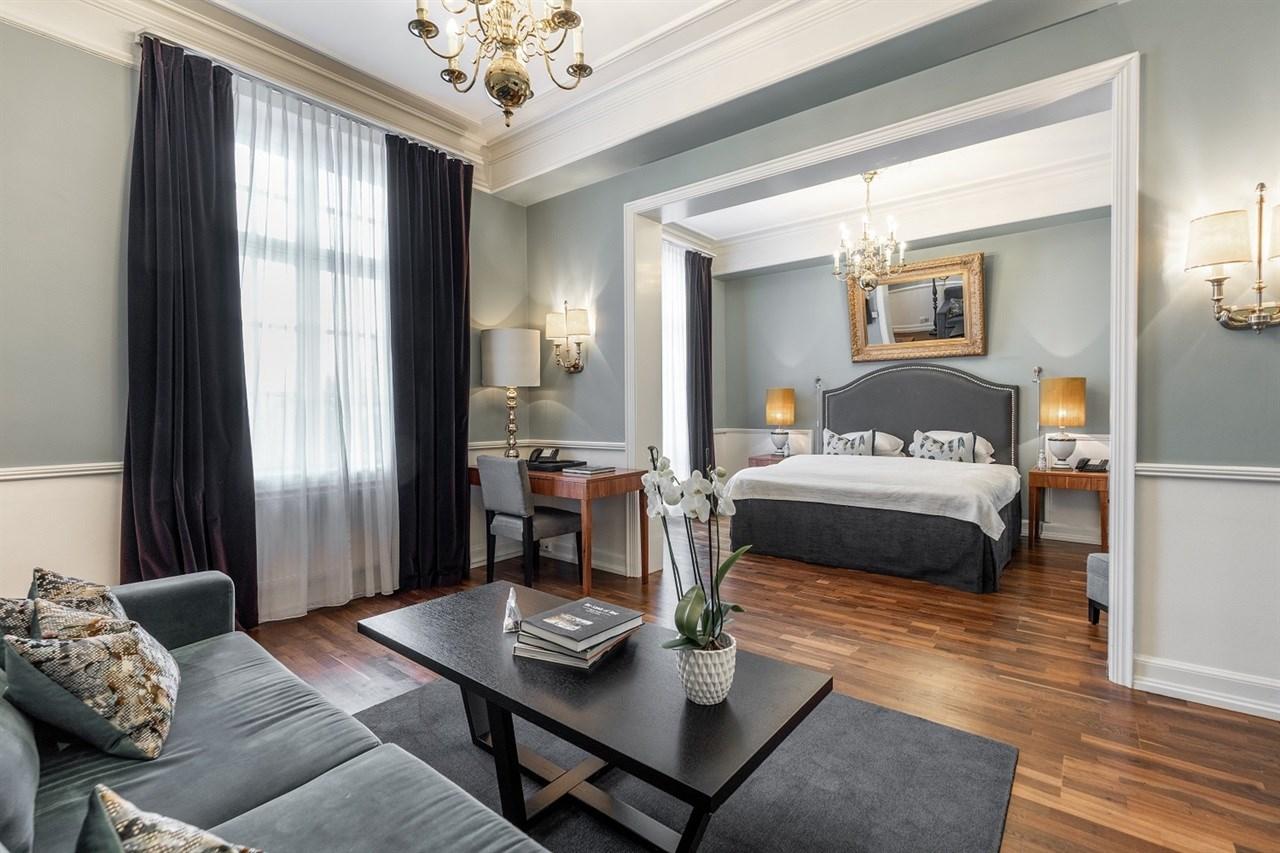 Junior suite at Grand Hotel Oslo