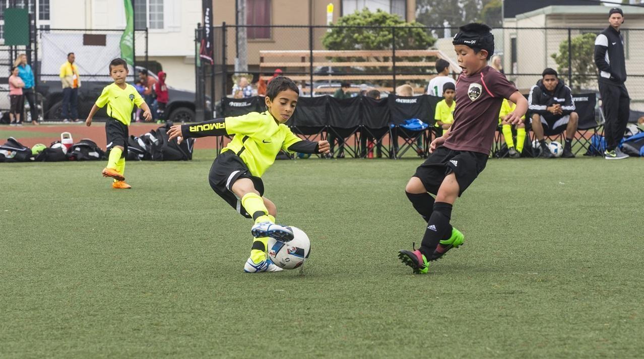Spelers die graag dribbelen en één tegen één situaties aangaan, worden langs het veld vaak bestempeld als egoïsten