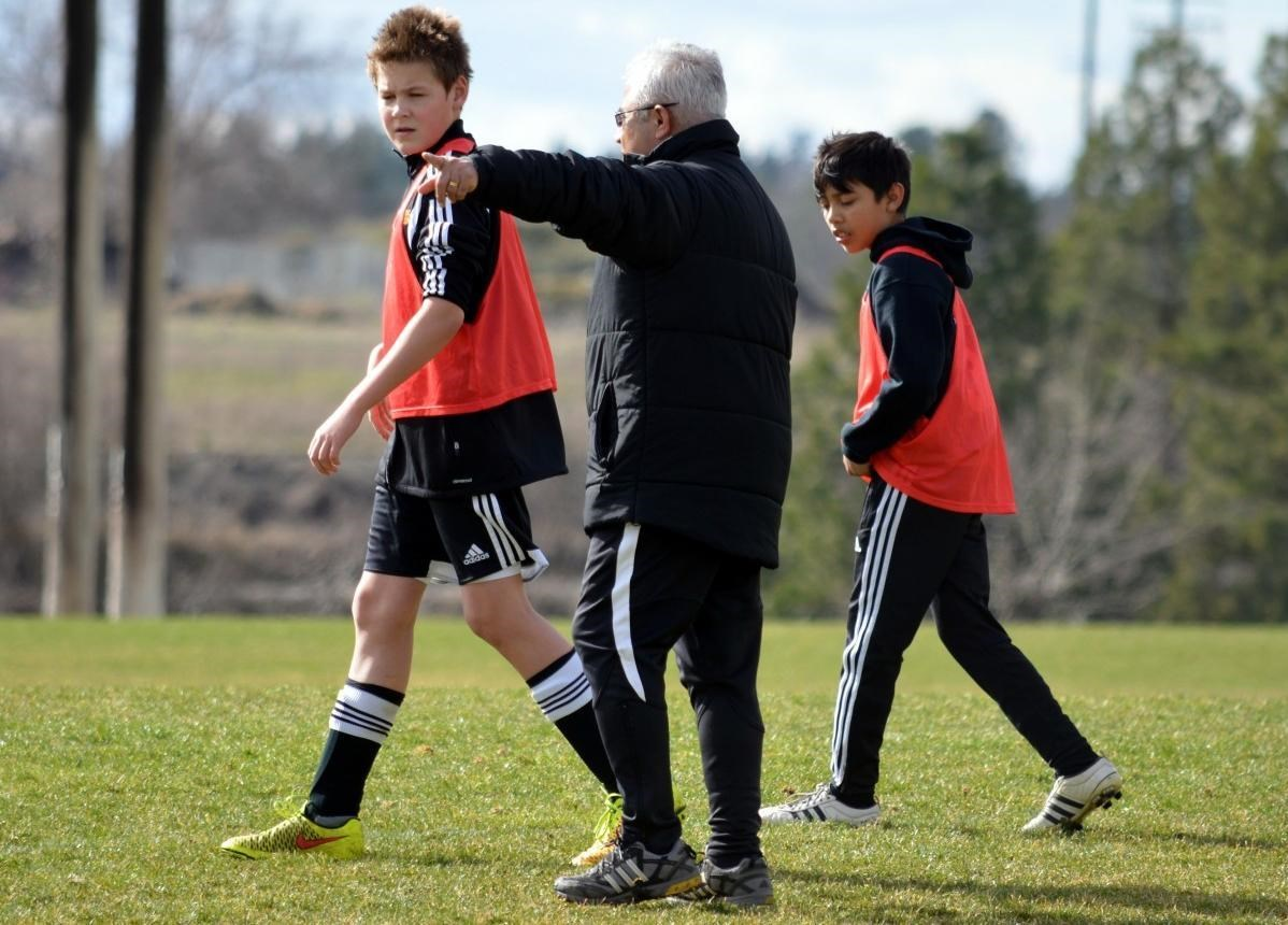 Negatief coachen, schreeuwen of schelden langs de lijn; 27 procent van de toeschouwers maakt dit wekelijks mee