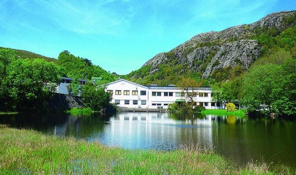 Figgjo fabrikken ligger idyllisk til i Sandnes kommune.