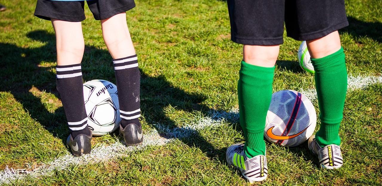 Mange barn i alle aldre ser på fotball som deres høydepunkt i ukedagene, dermed må man være oppmerksom på sin rolle som trener.