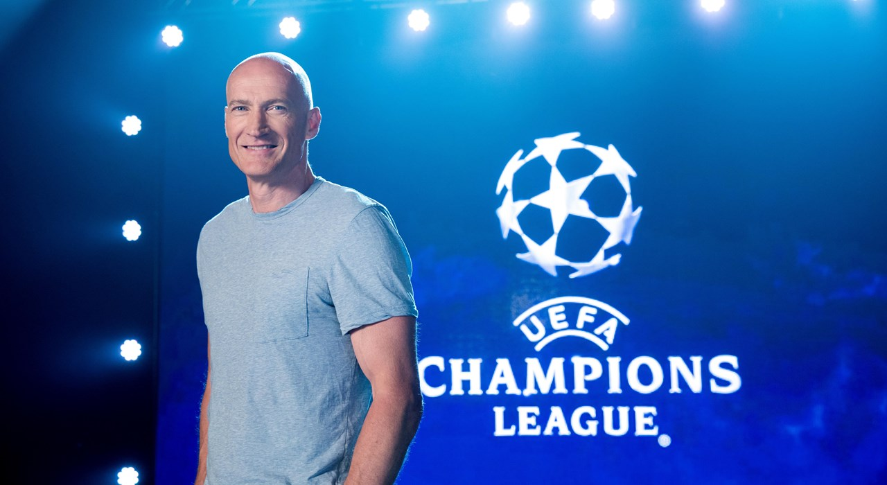 Erik Thorstvedt jobber med Champions League for TV 2. Foto: TV 2
