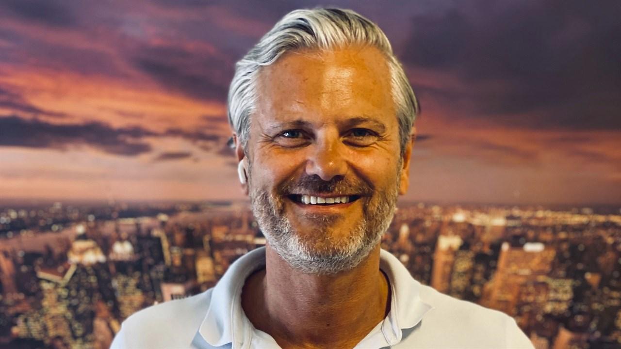 - Vi er stolte over å være en del av bransjen, og mektig imponert over alle frisører som har møtt de siste måneders utfordringer på en forbilledlig måte. De har min fulle respekt, sier Verdant-sjef Svein Ove Olsen i en sommerlig hilsen til bransjen. Han lover en spennende høst med en rekke nyheter.