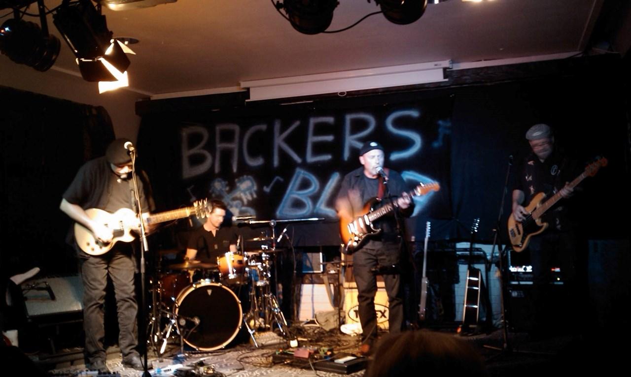 Efta-Blues med Backers Blaa