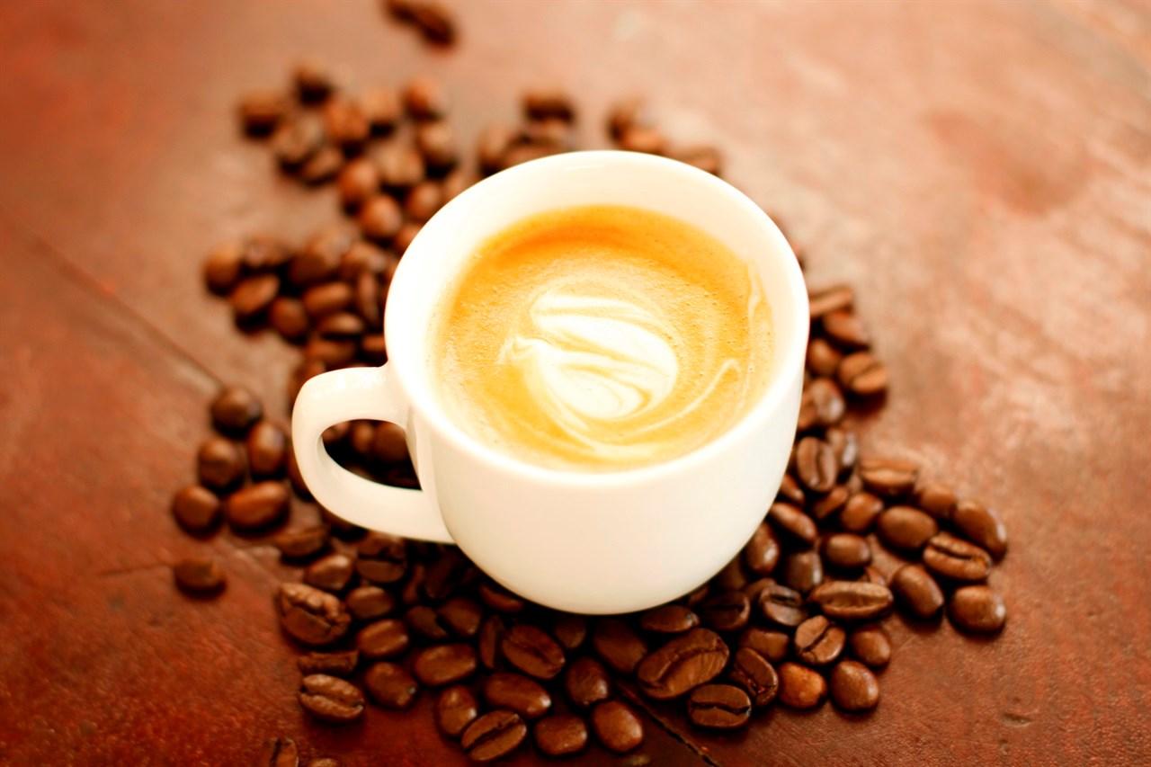 Nå er det lov å servere kunder kaffe i salongen igjen! (Ikke selvbetjening)