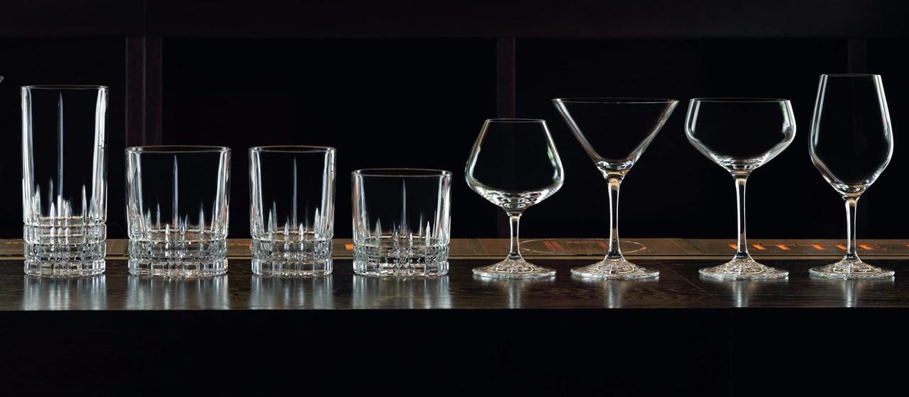 Glass lages i forskjellige former, det er lett å se! Men hva med glasset som materiale? Hva er de store forskjellene verdt å merke seg?