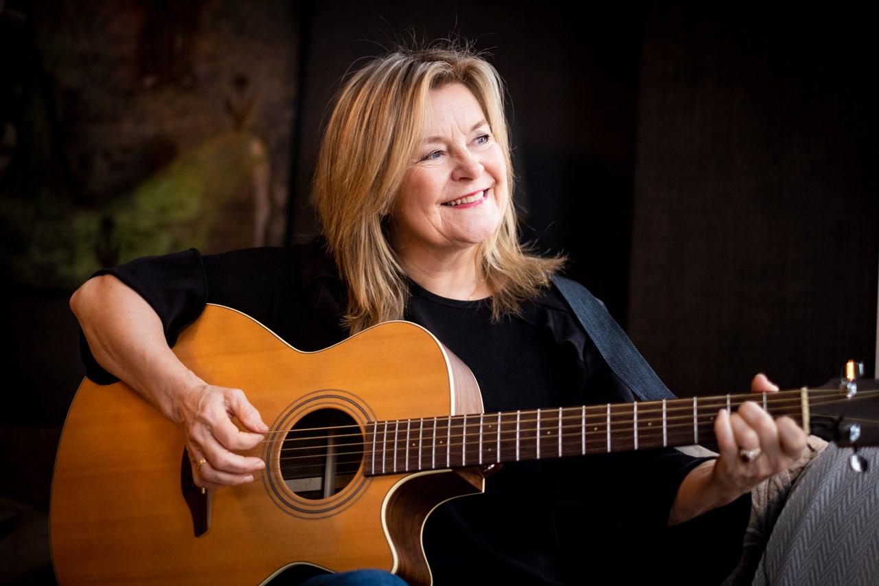 Elisabeth Andreassen elsker «Hver gang vi møtes», Pinot Noir, publikummet i Lillestrøm og røkt kolje.