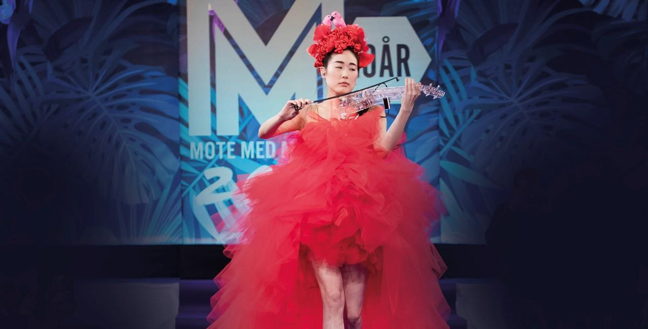 Mote med Mening står i år for et flott show til inntekt for Sykehusklovnene - med blant annet en Creademic-visning og artist Erlend Bratland og Snow Boyz. <br/>