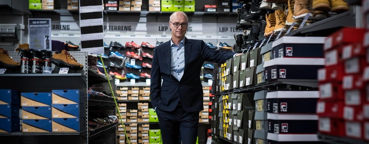 Konsernsjef Pål Wibe i XXL i butikken